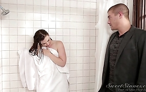 Wet-nurse girlfriend be captivated by doyen sister in shower