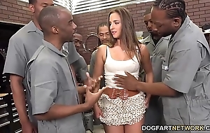 Amirah adara sucks an unscarred complement be worthwhile for swart guys