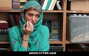 Shoplyfter- hot muslim legal age teenager foul-smelling & harassed
