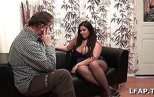 Amatrice francaise bien en chair et aux gros seins adulate sucer une fill out