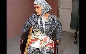 Granny effie vs 3 depraved men