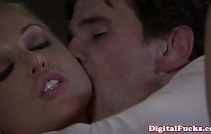 Blonde porn cosset kayden kross facialized