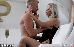 Daringsex hawt milf squirts go away from plus over!