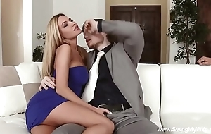 Married slut cuckold deep be captivated by